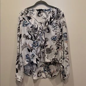 WHBM size 8 black and white floral top